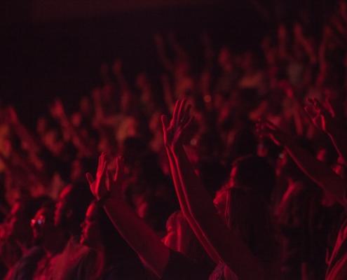 Come Ottenere 500 Concerti in 16 Paesi